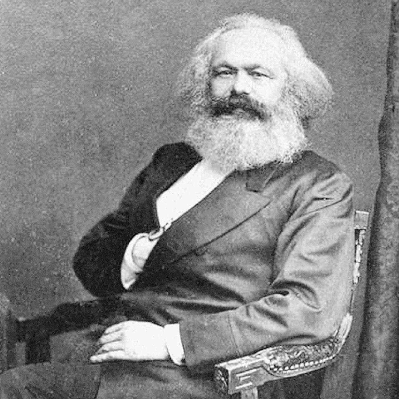 """""""Servirebbe un altro Marx, ma la politica oggi è degli stupidi"""""""