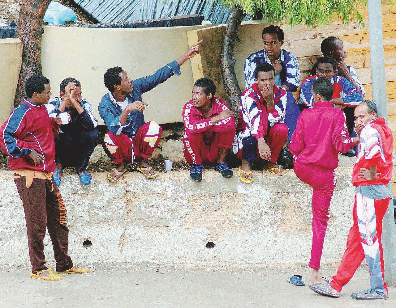 "Lampedusa cambia pelle: ""Tanti furti, basta migranti"""