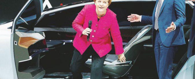 """Merkel la """"acchiappatutto"""" fa concorrenza anche ai Verdi"""