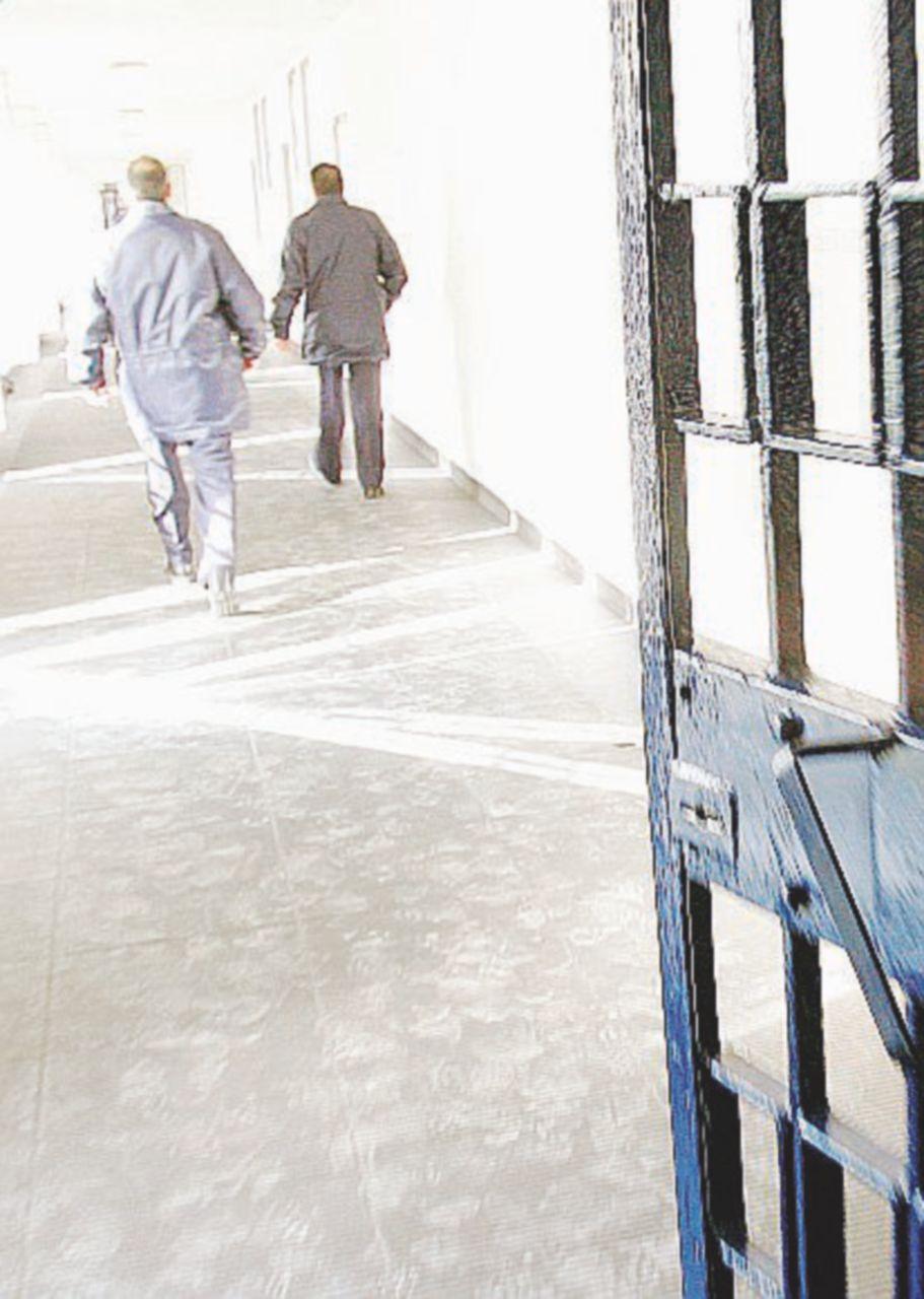 Penitenziaria, una festa con protesta
