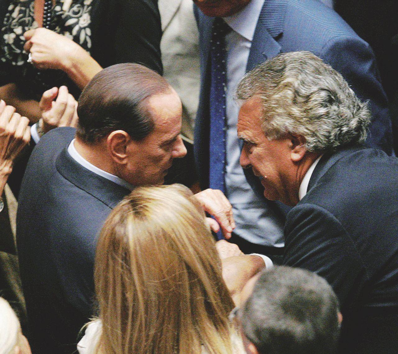 Berlusconi torna di moda. Verdini vuole tornare a casa