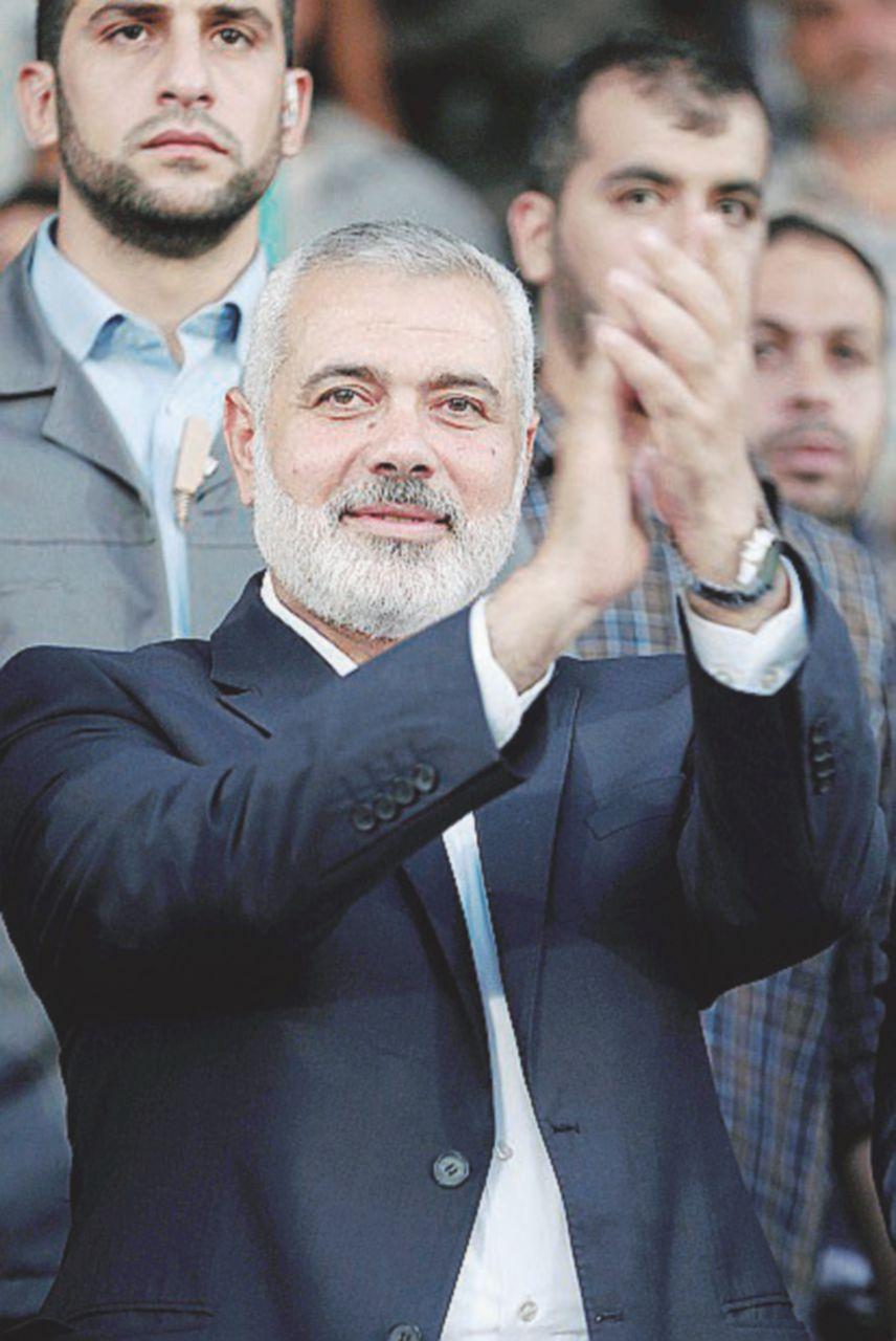 """Hamas conferma: il """"governo ombra"""" è finito, via libera ad Abu Mazen"""