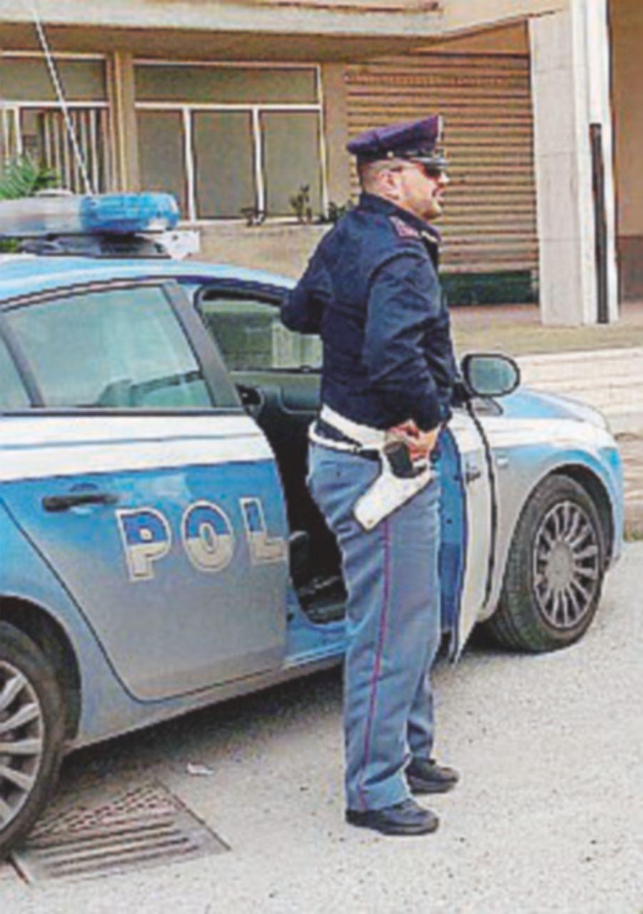 Milano, molesta  una donna ma viene bloccato dai passanti