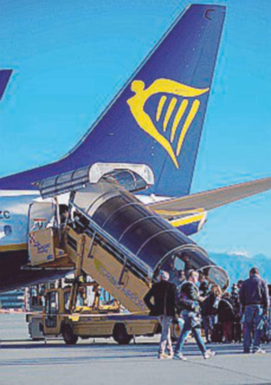 """Ryanair """"mette il saio"""". La Procura indaga sugli stop"""