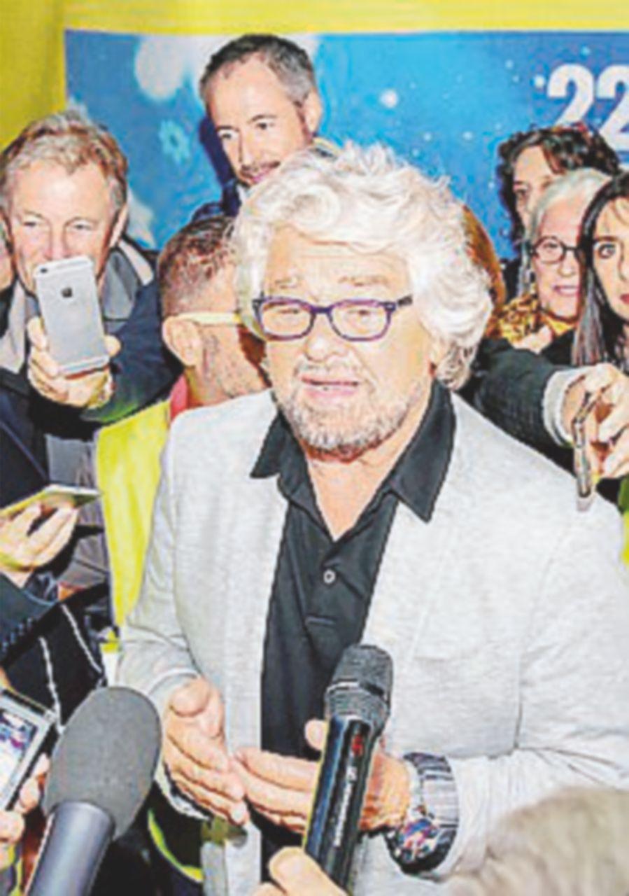"""La fobia di Grillo per la stampa: """"Sono il vostro nemico"""""""
