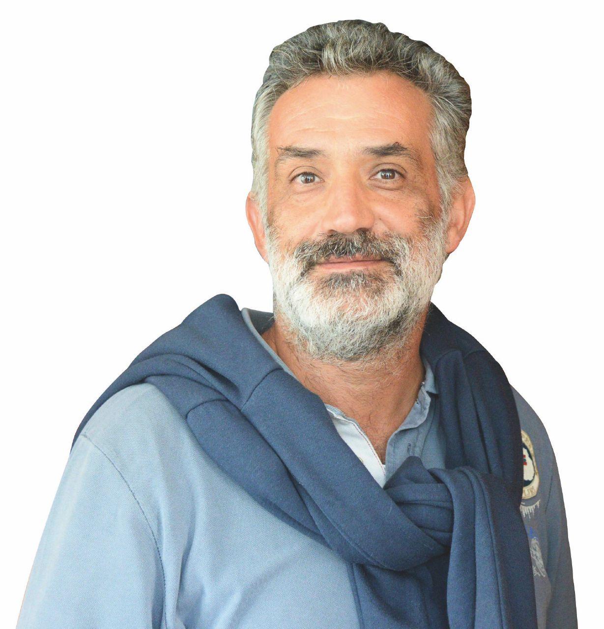 Criticato sui migranti, don Prodi lascia la chiesa