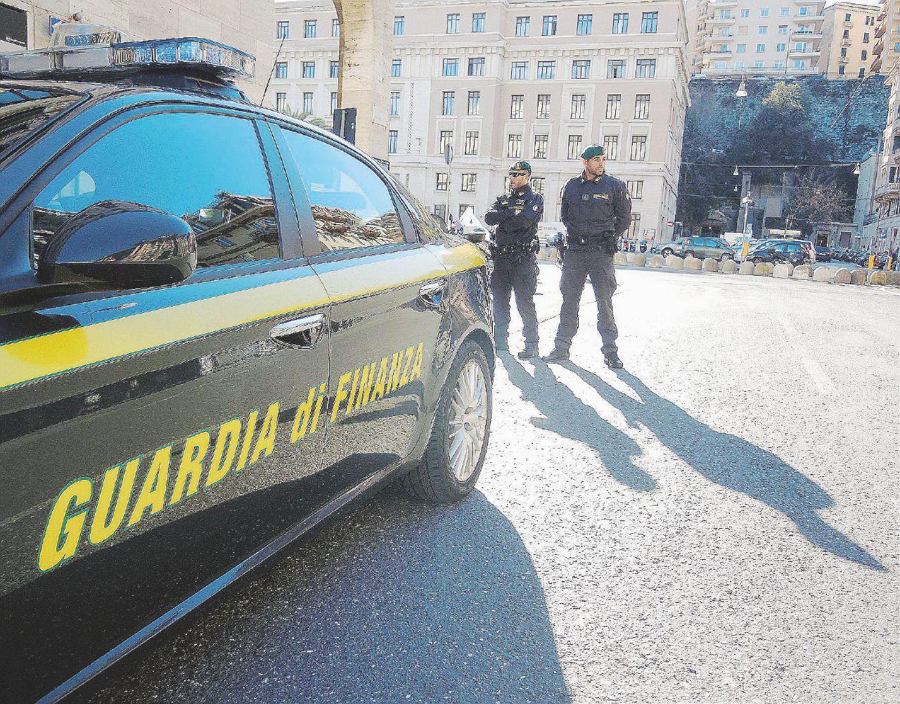 """""""Corruzione nei concorsi"""". 7 prof arrestati, 22 sospesi"""