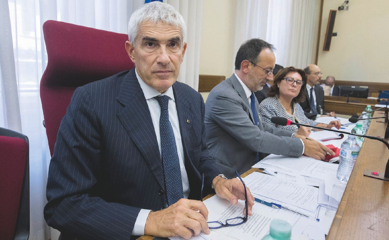 """Banche, Casini capo della commissione che definì """"nefasta"""""""