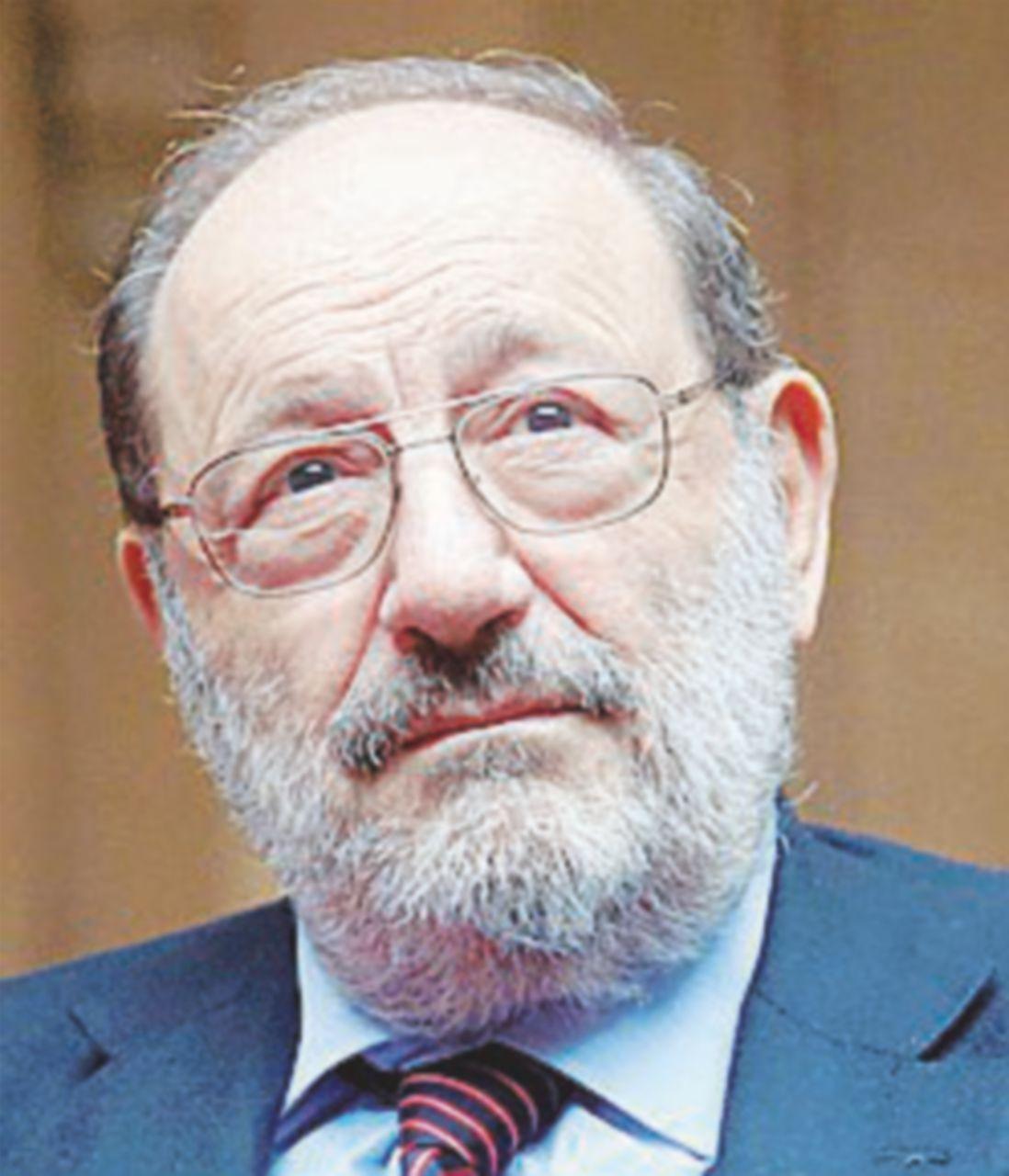 Umberto Eco, il sindaco leghista di Alessandria non vuole che il liceo sia intitolato a lui