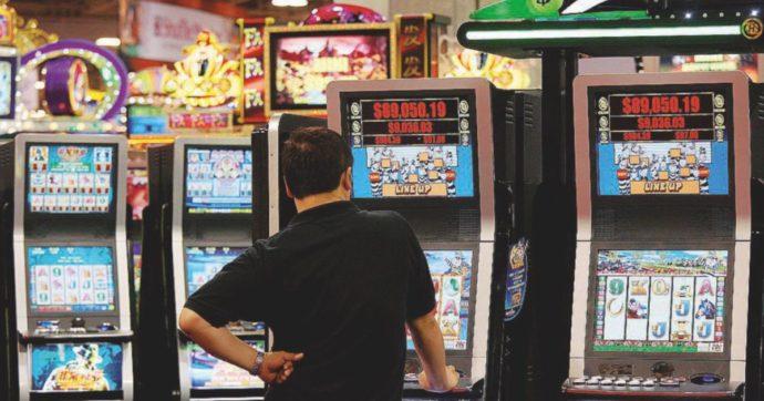 Nel 2019 gli italiani hanno speso 19,4 miliardi nel gioco e nelle slot: boom del gioco online. All'erario 11,4 miliardi