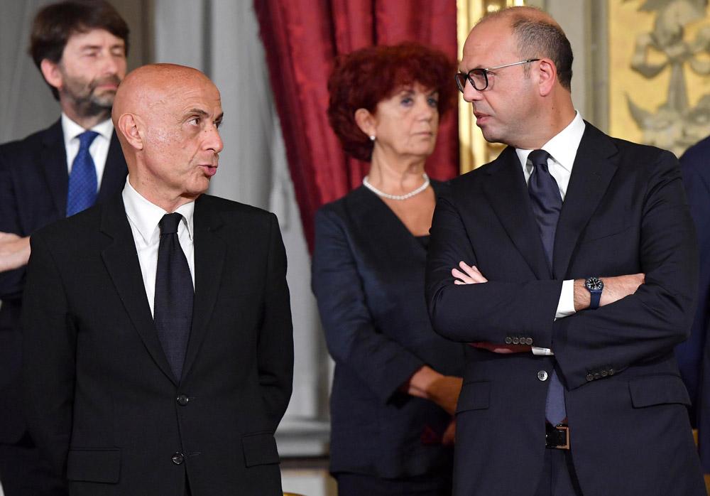 Minniti commissaria Alfano: è lui il vero ministro degli Esteri