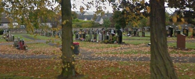 Scozia, trovata fossa comune con 400 corpi di bambini vicino a ex orfanotrofio. Un'inchiesta prova violenze e abusi