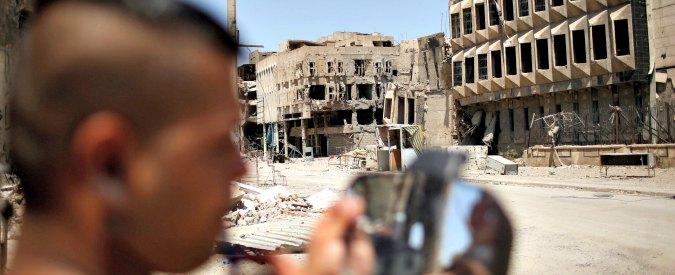 Mosul, sfollati della città martire dell'Isis tra depressione e sete di vendetta: 'Bimbi pensano di essere stati puniti da Dio'