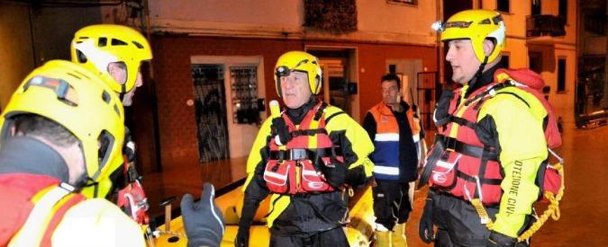 """Alluvione Livorno, la Regione: """"Comune avvertito del forte temporale alle 21,39"""". La replica: """"Doveva arrivare al mattino"""""""