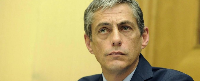 """M5s, aggredito a Torino senatore Airola: """"Due ubriachi, preso a pugni in faccia"""""""