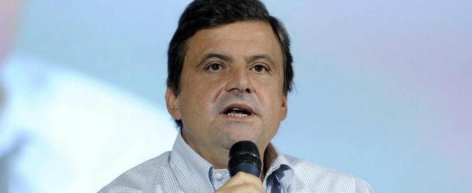 """Crisi Pd, Carlo Calenda: """"Mi iscrivo al partito"""". E da Gentiloni a Richetti tutti lo accolgono come il leader per il post Renzi"""