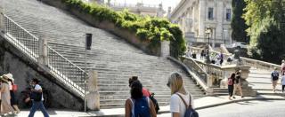"""Roma, """"tentato stupro sulle scale del Campidoglio"""". Turista belga salvata dall'intervento di tre vigili urbani"""
