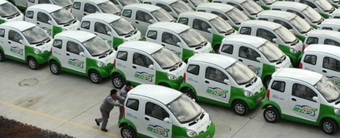 Cina, si valuta lo stop per diesel e benzina nel 2040. E le auto a batteria volano