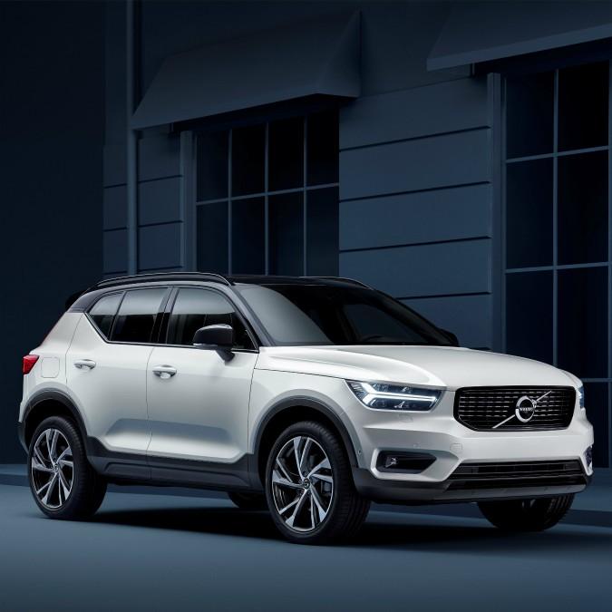 Volvo XC40, svelata la baby suv svedese. Prezzi a partire da 32.000 euro – FOTO