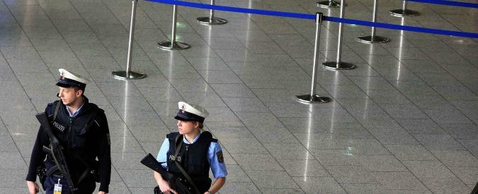 Francoforte, 6 persone intossicate da gas irritante all'aeroporto. Allarme rientrato