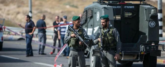 """Cisgiordania, tre israeliani uccisi in un attacco di un palestinese a Har Hadar. Hamas: """"Nuovo capitolo dell'Intifada"""""""