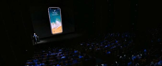 """Apple, analisti: """"iPhone X non vende abbastanza. Cupertino potrebbe chiudere la produzione"""""""