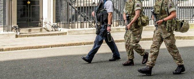"""Gran Bretagna, arrestati quattro militari legati a gruppo neonazista: """"Preparavano atti di terrorismo"""""""