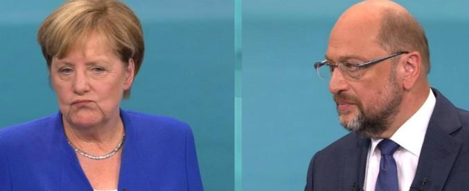 """Elezioni Germania, Merkel: """"Sul governo troveremo una soluzione"""". Schulz: """"Spd all'opposizione"""""""