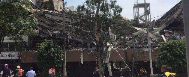 """Terremoto Messico, protezione civile: """"248 morti"""". Colpita la Capitale: """"Crolla una scuola, bimbi sotto macerie"""""""
