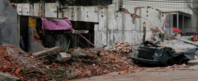 Messico, le vittime del sisma salgono a 90. L'uragano Katia fa altre due vittime