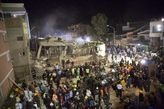 """Terremoto Messico, crollo della scuola Enrique Rebasamen. Media: """"Morti 26 bimbi"""". Corsa contro il tempo per salvare i dispersi"""