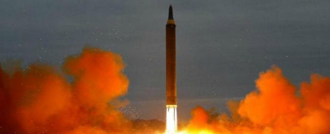 """Corea del Nord lancia nuovo missile che sorvola il Giappone. Gli Usa: """"Servono nuove contromisure"""""""