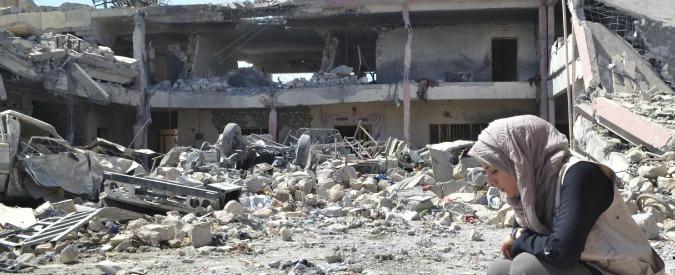 Iraq, oltre 2mila cadaveri sotto le macerie di Mosul: nella città che fu roccaforte Isis continuano le operazione di recupero