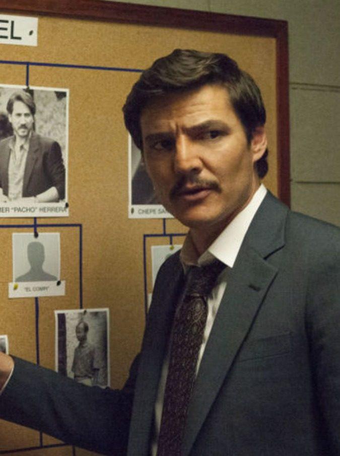 Narcos, Pablo Escobar è morto e se ne sente la mancanza. Ma il prodotto televisivo resta di alta qualità