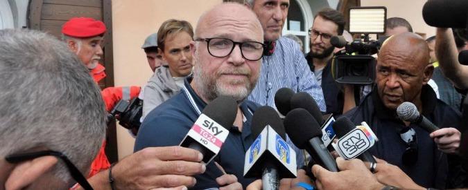 """Alluvione Livorno, Nogarin: """"Io avvertito alle 6,46, i cellulari non prendevano"""". Il capo dei vigili smentisce nota del Comune"""
