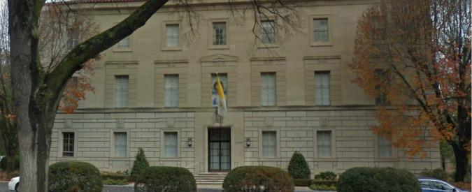 Vaticano, arrestato per possesso di pedopornografia l'ex consigliere a Washington monsignor Capella