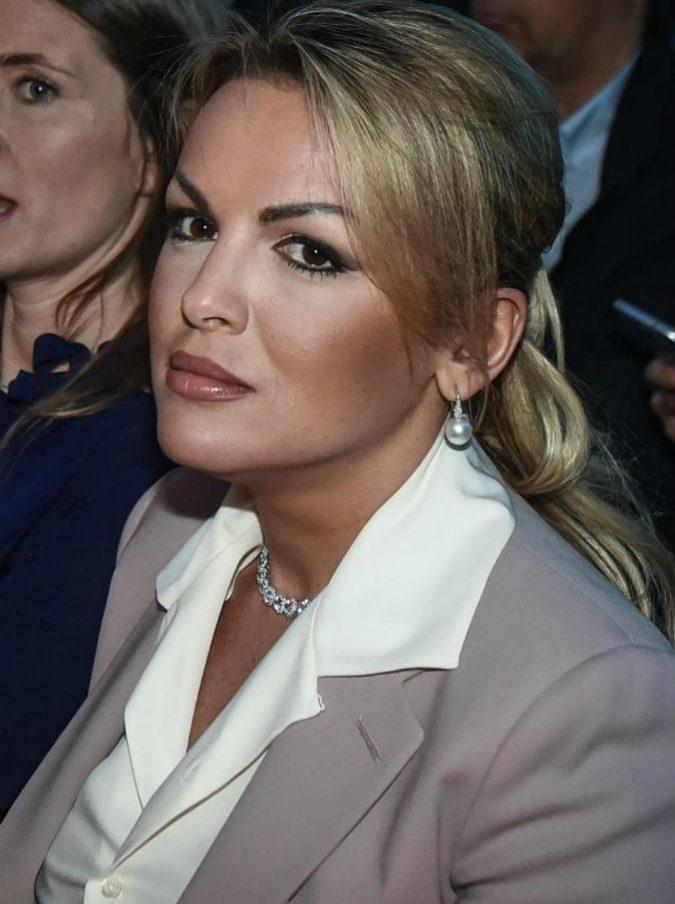 """Francesca Pascale """"abbandona"""" Arcore e va Villa Giambelli: """"È rinata"""". E Berlusconi affitta Villa Gernetto"""
