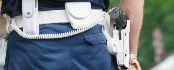 Bari, 13enne suicida: si è sparato con la pistola di servizio del padre poliziotto