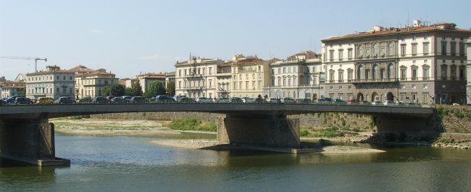 """Firenze, 19enne danese si tuffa nell'Arno. L'amico che era con lui: """"Non so perché"""""""