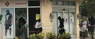 Uragano Irma, sciacalli in azione nella città deserta. I ladri ripresi dalle telecamere delle tv