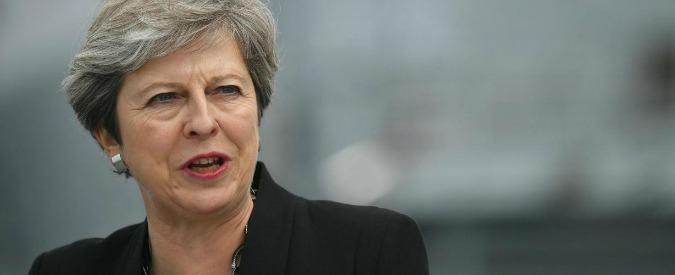 """Brexit, la premier Theresa May: """"Con nostro piano stop a libertà movimento. Avremo pieno controllo confini"""""""