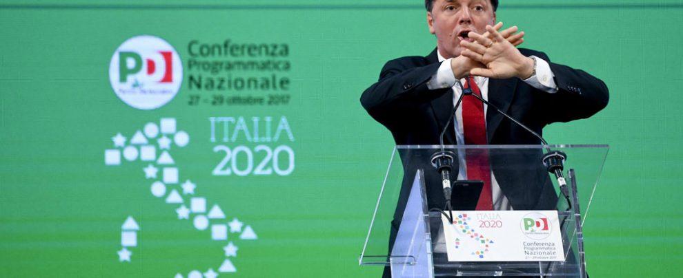 """Renzi e lo sgarbo a Gentiloni: non cita lo ius soli, """"l'avevo appuntata, poi…"""". E poi fa il bullo anche con Franceschini"""