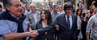 Catalogna, Madrid chiede l'incriminazione di Carles Puigdemont per ribellione. Ex presidente in Belgio 'chiede asilo politico'