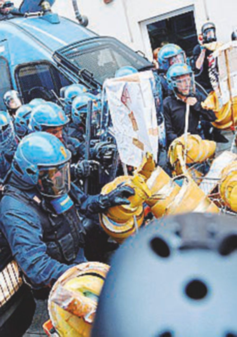 Proteste al G7 di Torino: 8 agenti feriti e un fermato