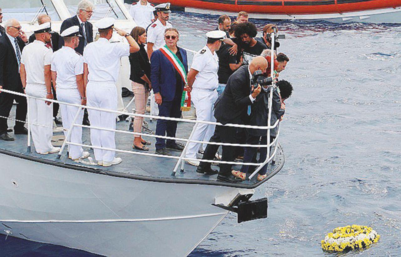 """2013, strage a Lampedusa 2017, il """"tappo"""" di Minniti"""