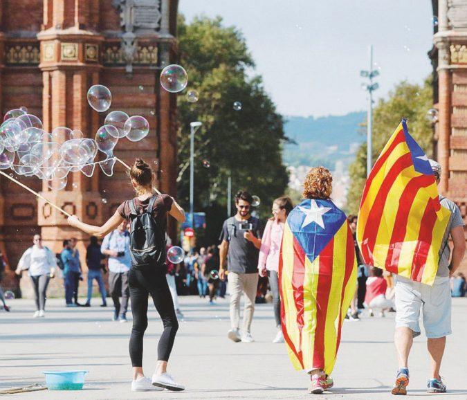 Dalla Brexit a Catalunya First. Quando ti urlano: vattene via!