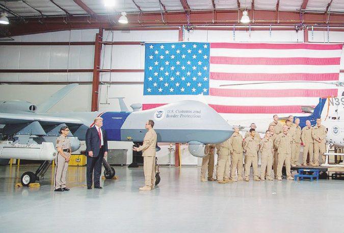 Trump solo contro il mondo: la guerra per il drone di spade