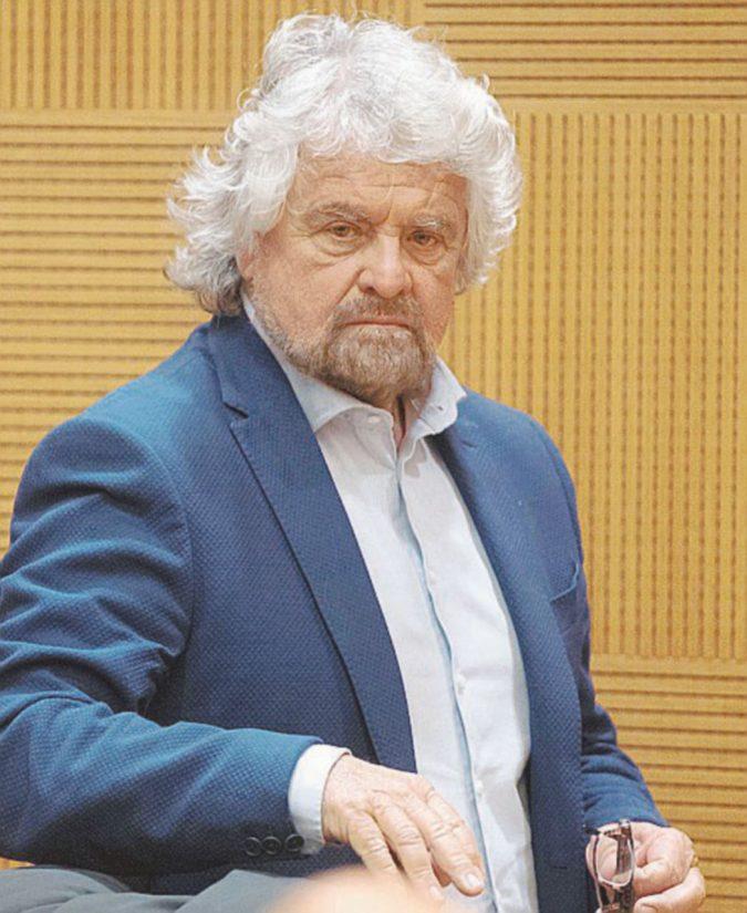 """Beppe Grillo: """"O vinciamo le Europee o mollo tutto"""""""