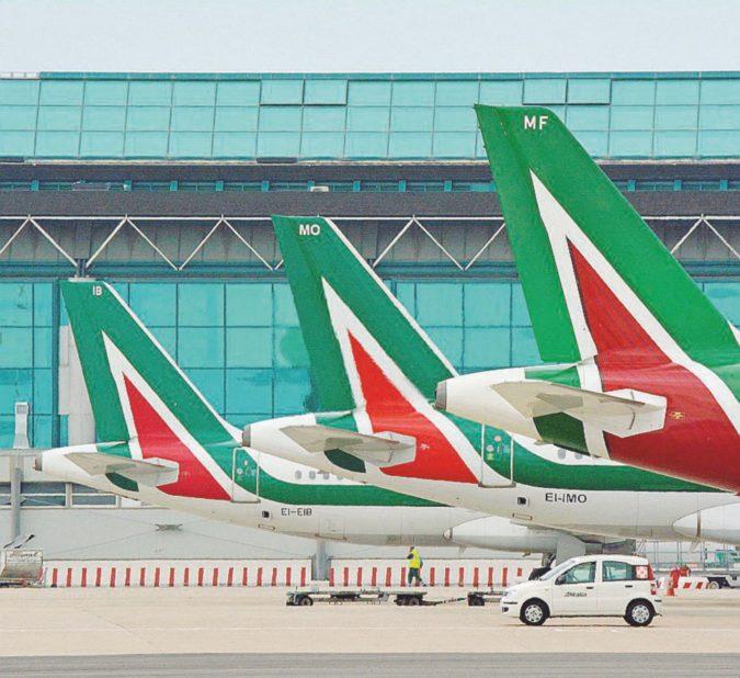 Addio Alitalia: tagli e vendita a pezzi Ma dopo le elezioni