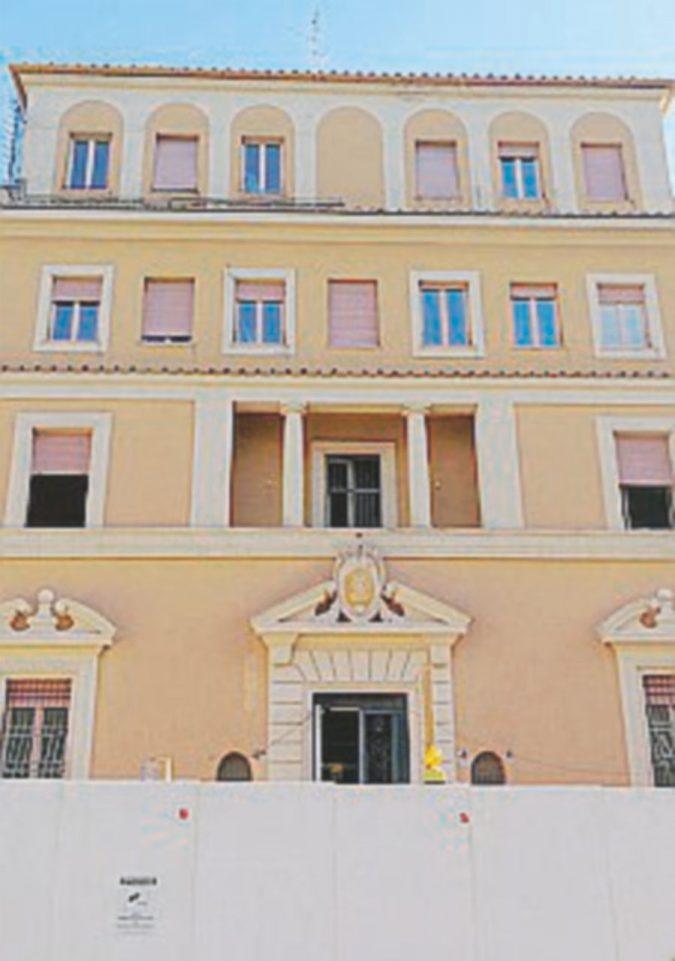 Giù il villino anni 30, proteste nel quartiere liberty di Roma